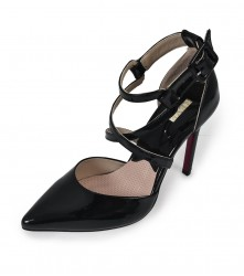 Heels: Buckle Pumps - Black